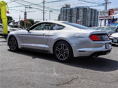 ford-mustang-2018-1FA6P8TH2J5143399-2.jpeg