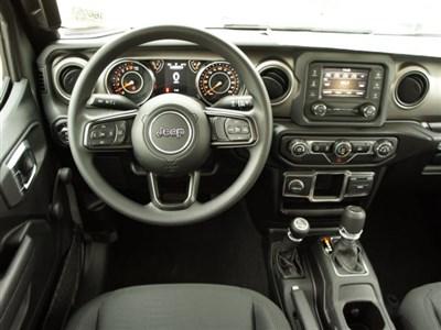 jeep-gladiator-2020-1C6HJTAG4LL173687-10.jpeg