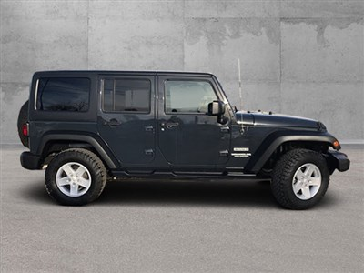 jeep-wrangler-unlimited-2017-1C4BJWDG0HL632555-6.jpeg