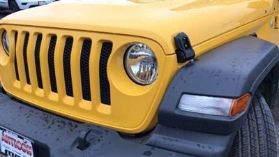 jeep-wrangler-unlimited-2018-1C4HJXDN5JW332934-3.jpeg