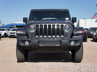jeep-wrangler-unlimited-2020-1C4HJXDG8LW267985-2.jpeg