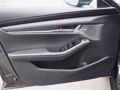 mazda-mazda3-hatchback-2019-JM1BPBMM4K1123911-7.jpeg