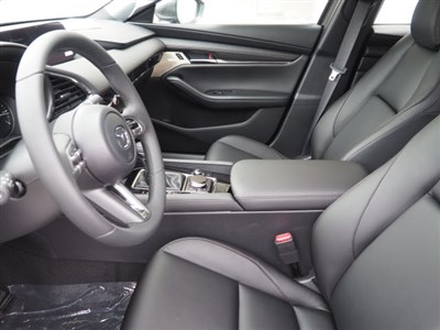 mazda-mazda3-hatchback-2019-JM1BPBMM4K1123911-8.jpeg