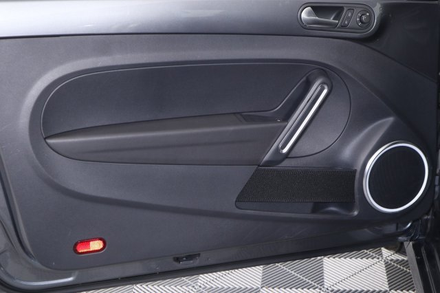 volkswagen-beetle-coupe-2014-3VWJP7AT7EM608889-8.jpeg