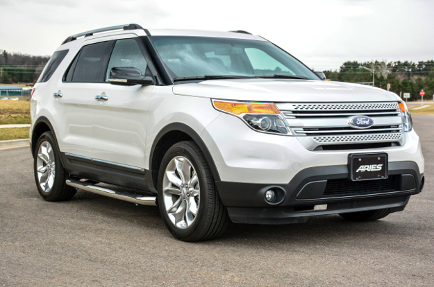 2015 Ford Explorer with 3-inch side bars from ARIES