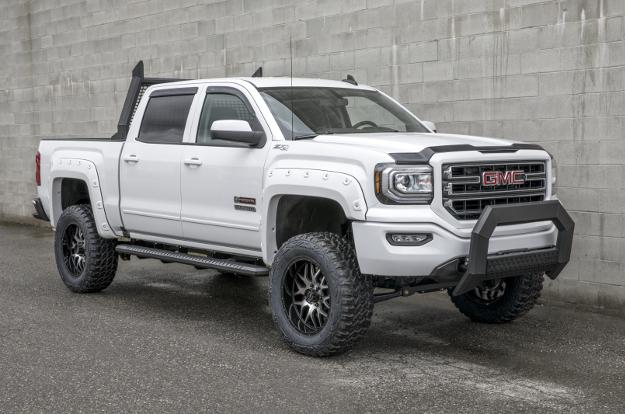 Custom 2016 GMC Sierra 1500 with ARIES AdvantEDGE™ truck accessories