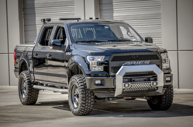 Custom 2016 Ford F150 with AdvantEDGE™ running boards and truck accessories