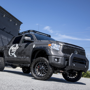 Custom 2017 Toyota Tundra with ARIES AdvantEDGE truck running boards and accessories