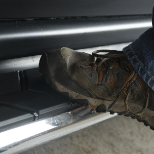 ARIES AeroTread running boards for SUVs - work shoe