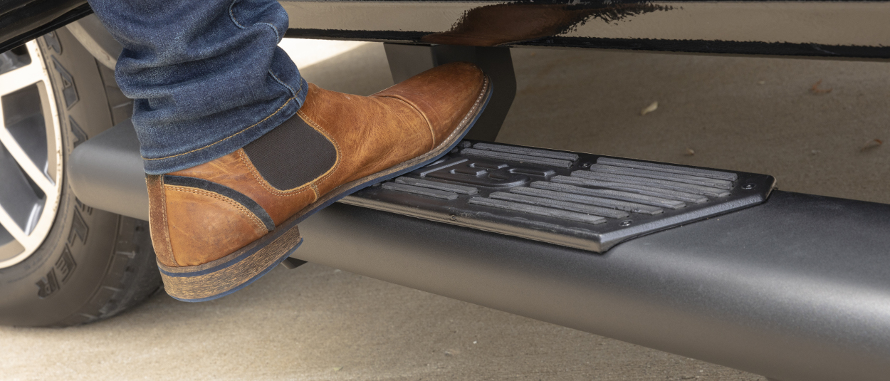 ARIES AscentStep™ running boards blended step pads