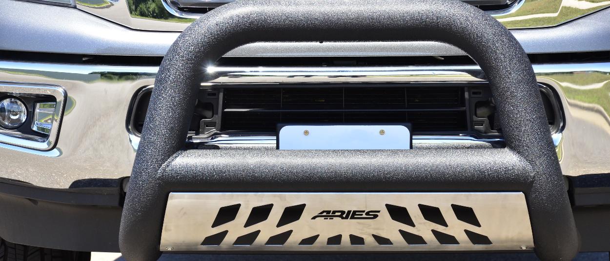 ARIES Big Horn™ 4-inch black bull bar