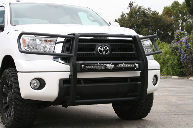 ARIES Pro Series™ grille guard on Toyota Tundra