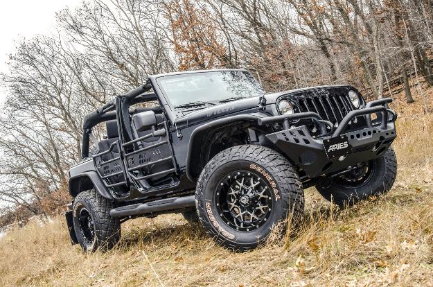 Jeep JK tube doors, TrailChaser™ bumper, fender flares and Big Steps™