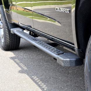 ARIES Rocker Steps on black Chevrolet Colorado