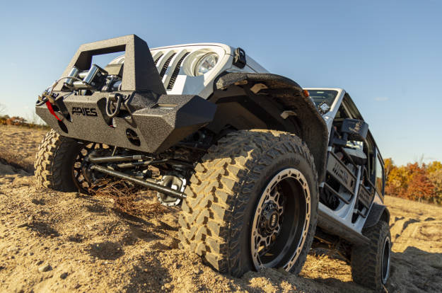 ARIES_TrailChaser_Bumper_2018_Jeep_Wrangler_JL_Unlimited