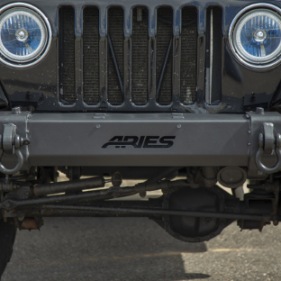 ARIES TrailCrusher® Jeep bumper on 2000 Jeep Wrangler TJ grille