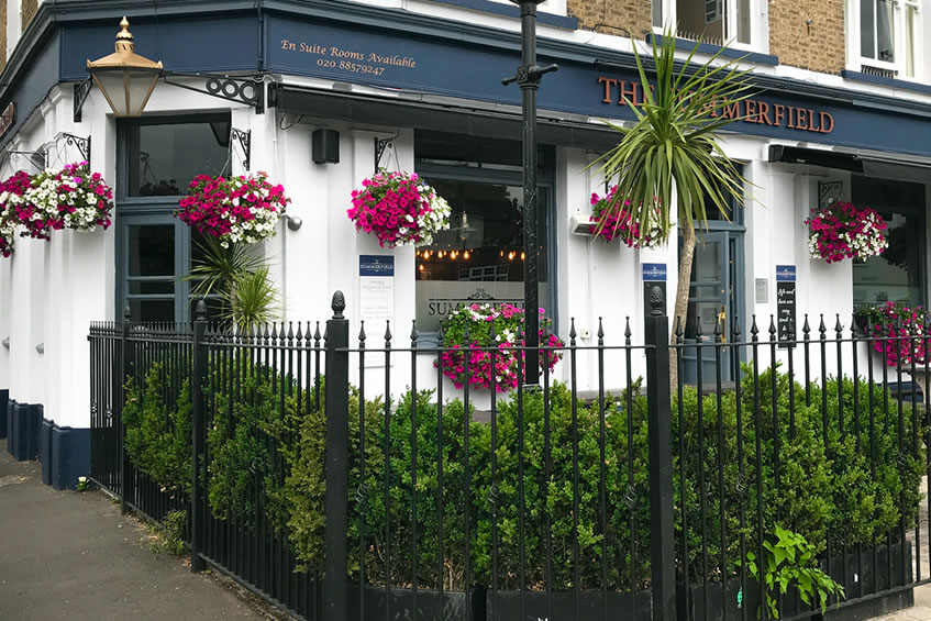 Summerfield Pub, Lee, London - Now Serving Arments Pie & Mash!