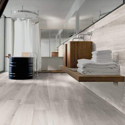 Gres Porcellanato Effetto Legno chiaro bagno lavabo legno