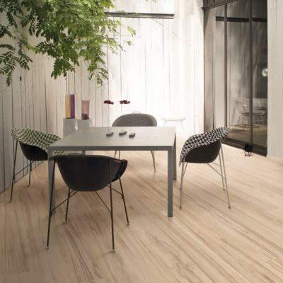 Gres Porcellanato Effetto Legno tavolo grigio