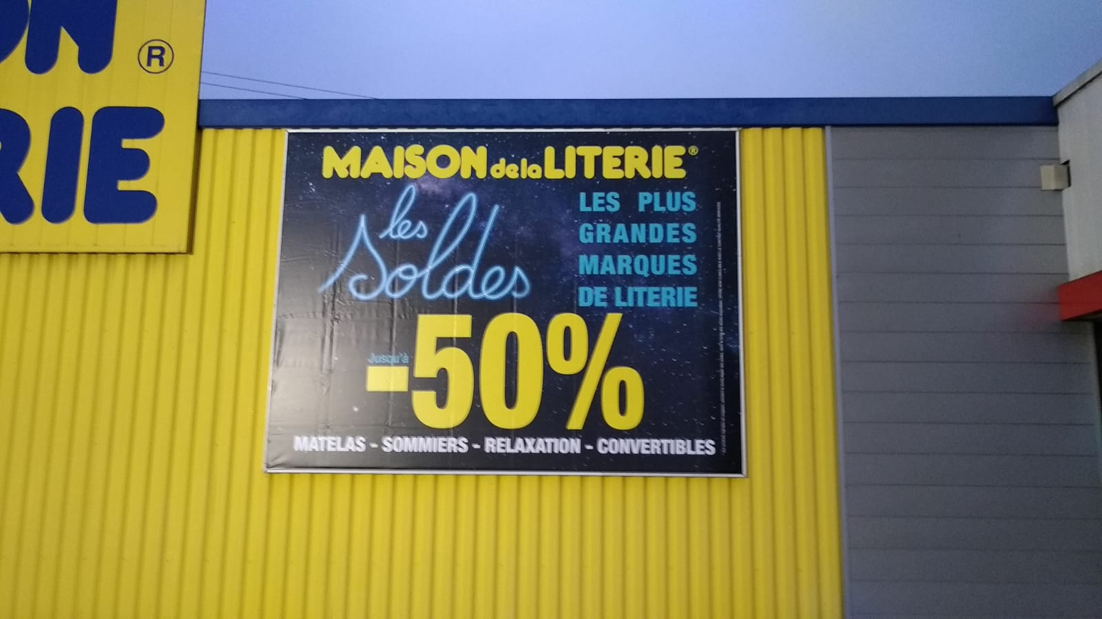 BACHE - MAISON DE LA LITERIE -VILLEFRANCHE - SAVOIE PUB