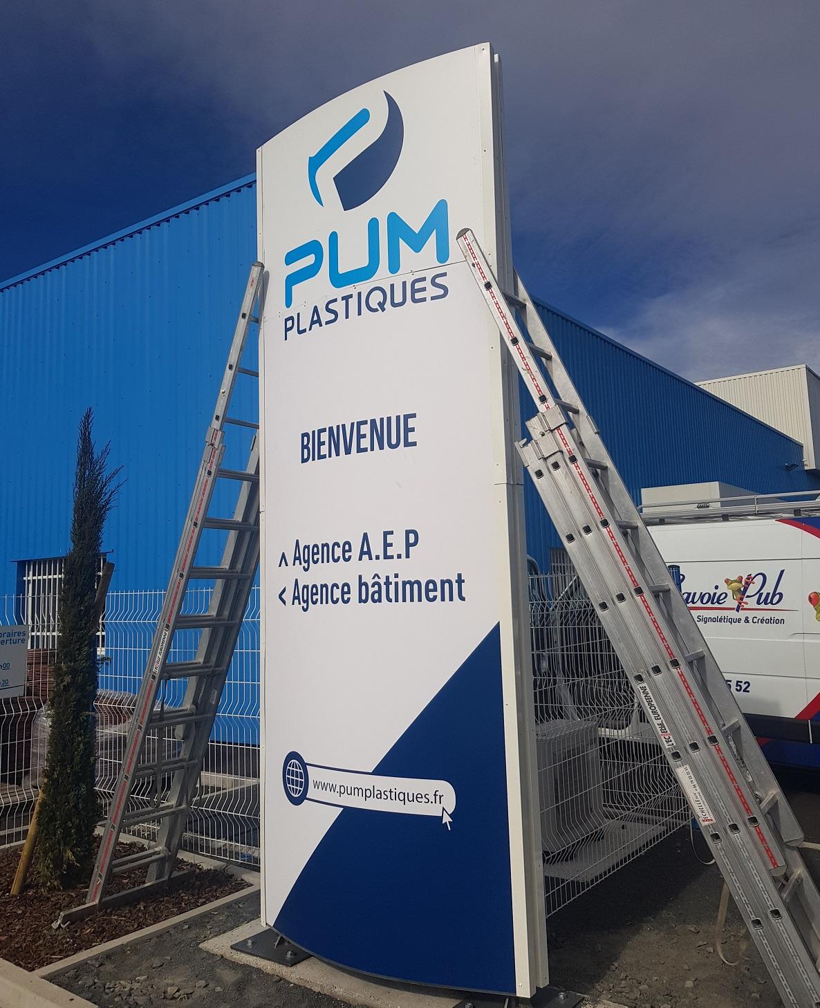 TOTEM LUMINEUX - PUM PLASTIQUE - 73000 - SAVOIE PUB