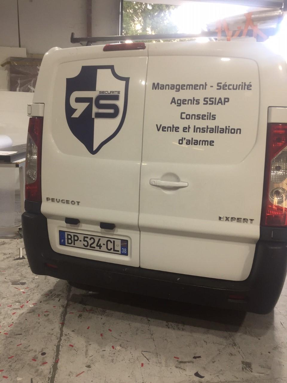 LETTRES DECOUPÉES - FLOCAGE VÉHICULE - RS SECURITE - CHAMBÉRY - SAVOIE PUB
