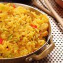 Curry-Reissalat mit Bananenscheiben