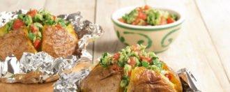 Grillkartoffeln mit Avocado Dip