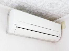 賃借人が無断で取り付けたエアコン。大家さんは退去時に買い取る必要があるの?