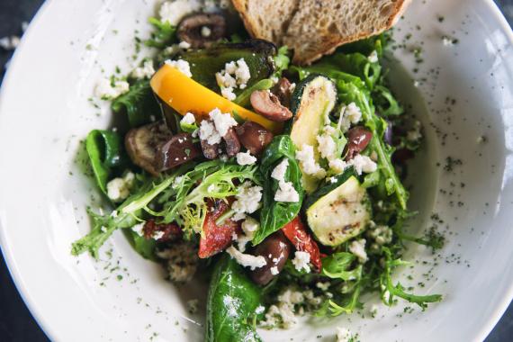 salade chèvre chaud Rives-du-Loir-en-Anjou