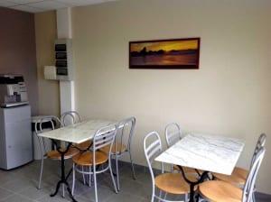 Espace cafétéria à disposition des familles