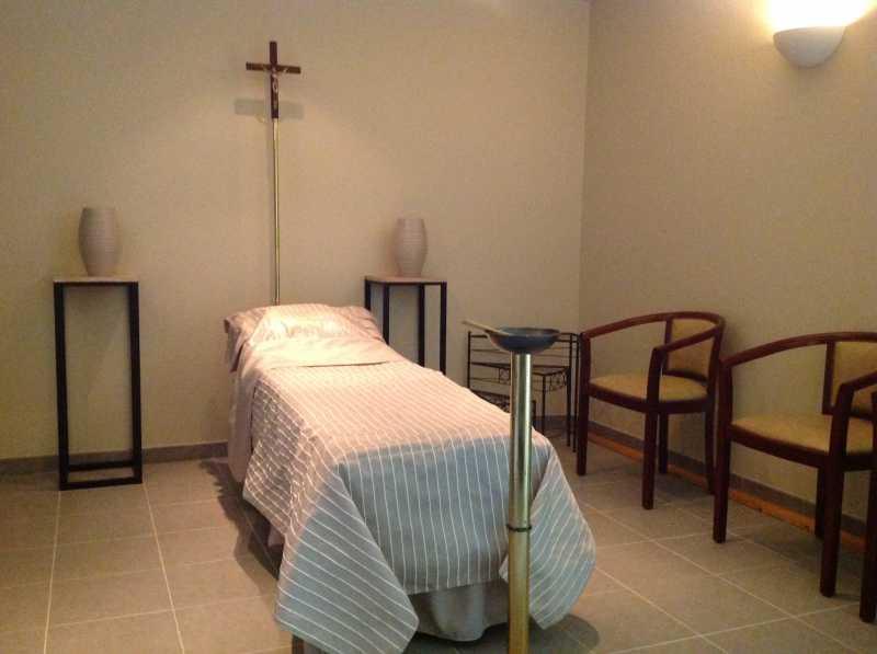 Présentation salon funéraire des Pompes Funèbres du Pays de l'Aven
