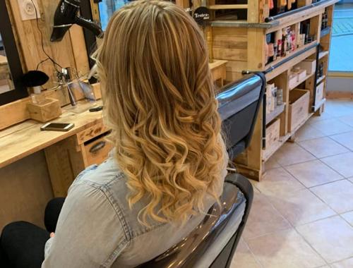 coiffure boucles Auray