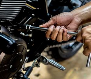 <b>réparation motocycles</b>