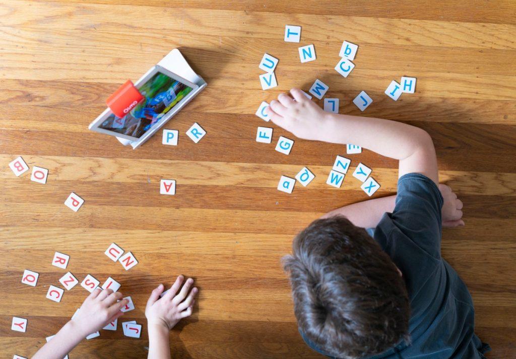 Kids playing Osmo Genius starter Kit