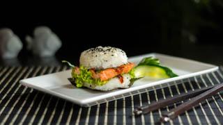 the-sushi-bar-shibuya-burger