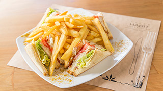 habit-club-sandwich-με-philadelphia