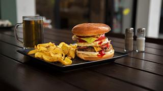 τα-σουβλάκια-του-ψυχικού-black-angus-special-burger