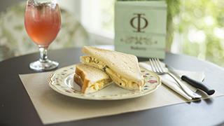 φ-bakery-egg-salad-sandwich