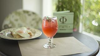 φ-bakery-ροζ-σπιτική-λεμονάδα