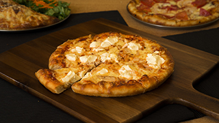 roma-pizza-chicken-cheese