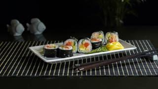 the-sushi-bar-mediterranean-roll