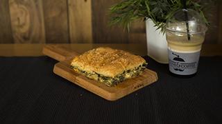 panini-&-coffee-σπανακόπιτα-ταψιού