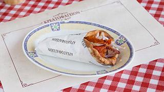 κρεατοφαγείον-καλαμάκι-χοιρινό-σε-πίτα-παραδοσιακή