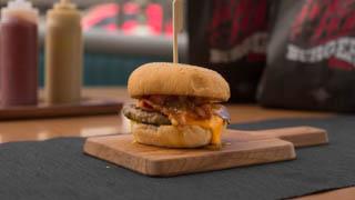 hot-hot-burger-honey-mustard-bacon-burger