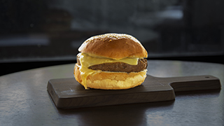 burgerville-cheeseburger