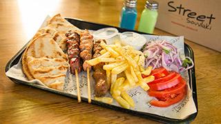 street-souvlaki-mix-grill-καλαμάκια