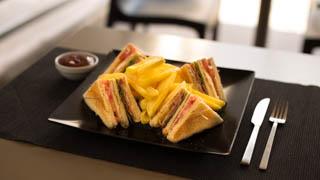 crepa-land-club-sandwich-μπέικον