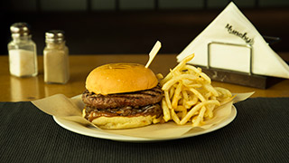 munchy`s-caramelized-onion-burger