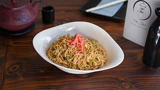 mr.-dim-modern-asian-eatery-vegetarian-yakisoba